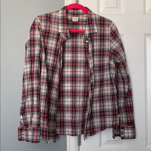Long-sleeved plaid button-up